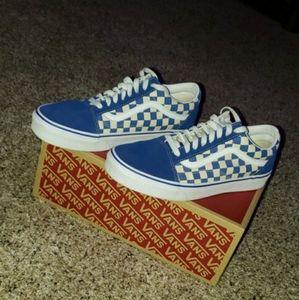 Blue old skool checkered vans